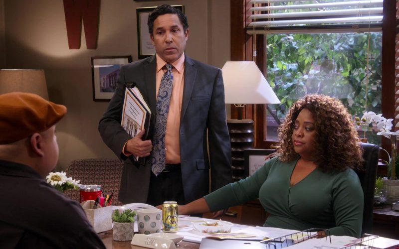 LaCroix Sparkling Water Enjoyed by Sherri Shepherd in Mr. Iglesias – Season 1, Episode 6 (1)