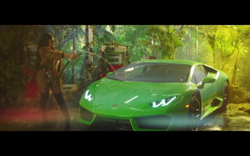 Lamborghini Huracan Green Sports Car in Megatron by Nicki Minaj (6)