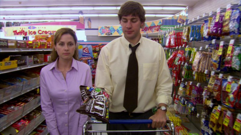 "M&M's Candies Held by John Krasinski (Jim Halpert) in The Office – Season 2, Episode 19, ""Michael's Birthday"" (2006) - TV Show Product Placement"