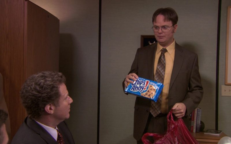 Nabisco Chips Ahoy! Held by Rainn Wilson (Dwight Schrute) in The Office (1)