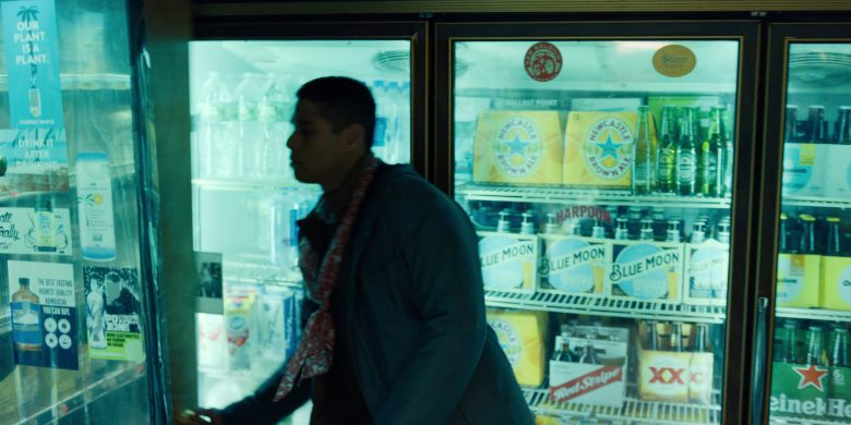 """Newcastle Brown Ale, Heineken, Blue Moon, Red Stripe and XX Beer in Russian Doll - Season 1, Episode 8, """"Ariadne"""" (2019) - TV Show Product Placement"""