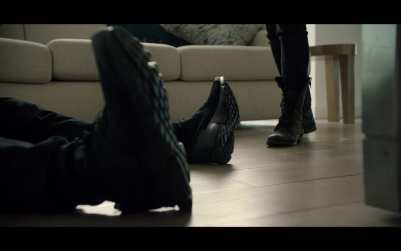 Nike Men's Black Shoes in Black Mirror