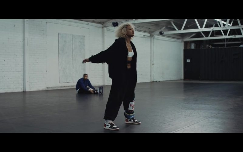 """Nike Sneakers Worn by DaniLeigh in """"Easy"""" (Remix) ft. Chris Brown (2)"""