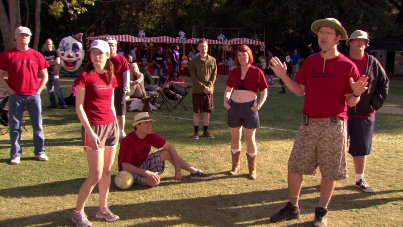 """Nike Sneakers Worn by Ellie Kemper (Erin Hannon) in The Office – Season 5, Episode 28, """"Company Picnic"""" (2009) TV Show Product Placement"""