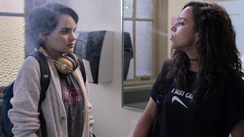 """Nike Tee Worn by Kiana Madeira in Trinkets - Season 1, Episode 1, """"Mirror Faces"""" (2019) - TV Show Product Placement"""