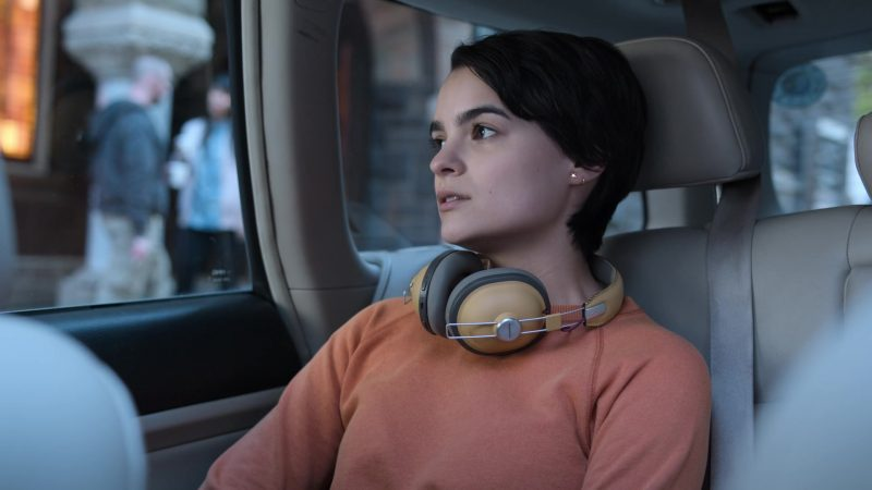 """Panasonic Wireless Over-Ear Tan Headphones Used by Brianna Hildebrand (Elodie Davis) in Trinkets - Season 1, Episode 1, """"Mirror Faces"""" (2019) - TV Show Product Placement"""