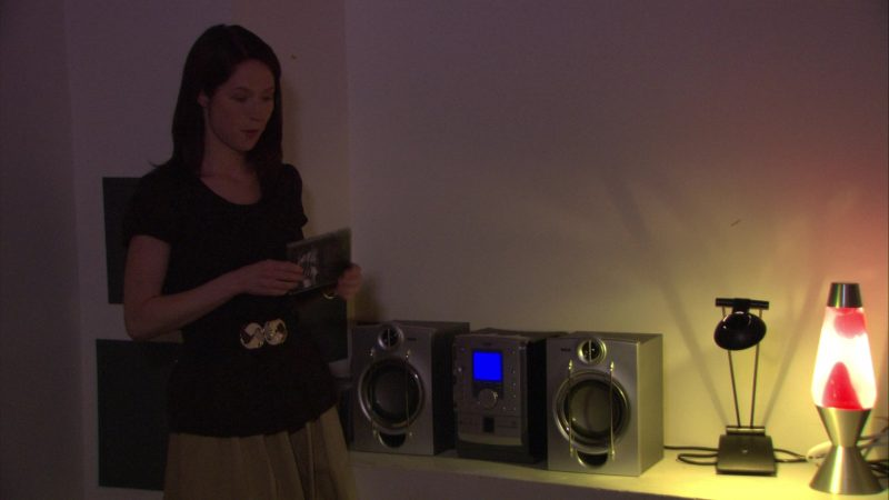 """RCA Boombox & Speakers in The Office – Season 5, Episode 27, """"Cafe Disco"""" (2009) - TV Show Product Placement"""