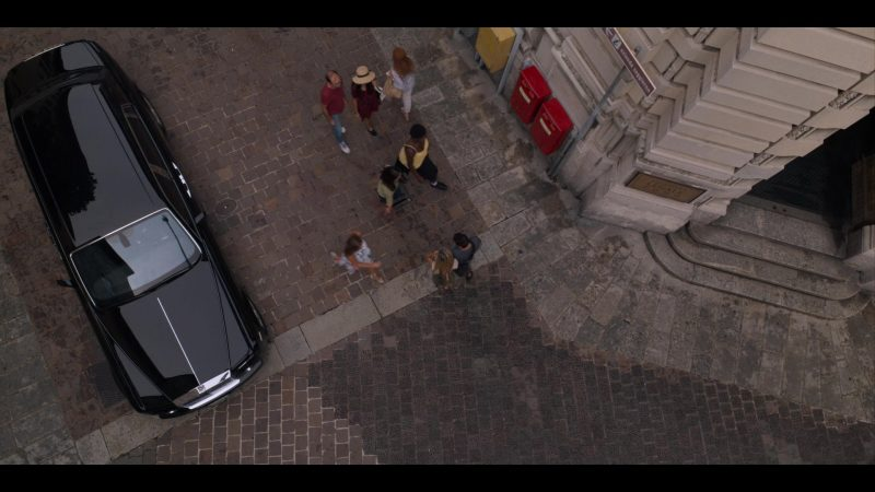Rolls-Royce Luxury Car in Murder Mystery (2019) Movie Product Placement