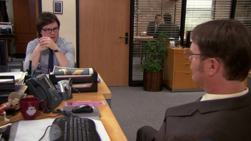 """Sheetz Mug Used by Rainn Wilson (Dwight Schrute) in The Office – Season 9, Episode 21, """"Livin' the Dream"""" (2013) - TV Show Product Placement"""