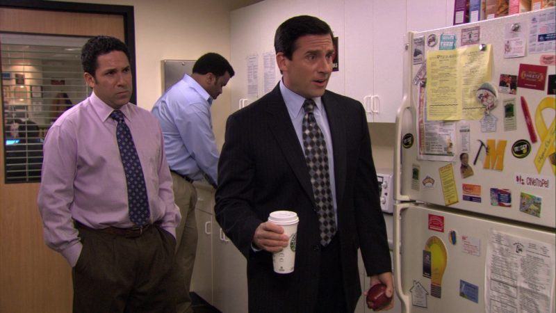 "Starbucks Coffee Cup Held by Steve Carell (Michael Scott) in The Office – Season 7, Episode 1, ""Nepotism"" (2010) - TV Show Product Placement"
