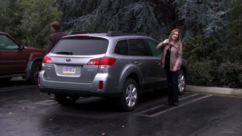 "Subaru Outback Car Used by John Krasinski (Jim Halpert) & Jenna Fischer (Pam Beesly) in The Office – Season 6, Episode 21, ""Happy Hour"" (2010) - TV Show Product Placement"