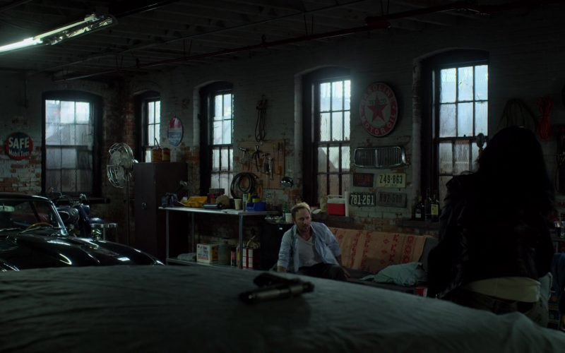 Texaco Sign in Jessica Jones
