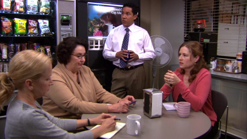 """UTZ Chips in The Office – Season 8, Episode 20, """"Welcome Party"""" (2012) - TV Show Product Placement"""