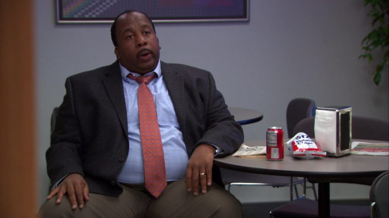 "UTZ Potato Chips Enjoyed by Leslie David Baker (Stanley Hudson) in The Office – Season 9, Episode 19, ""Stairmageddon"" (2013) - TV Show Product Placement"