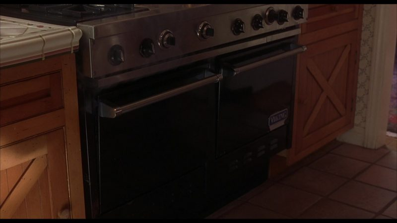 Viking Oven in Beethoven's 4th (2001) Movie Product Placement