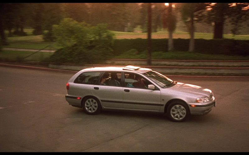 Volvo V40 Car Driven by Judge Reinhold in Beethoven's 4th (1)