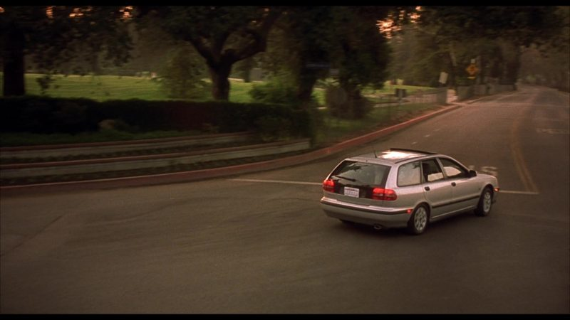 Volvo V40 Car Driven by Judge Reinhold in Beethoven's 4th (2001) - Movie Product Placement