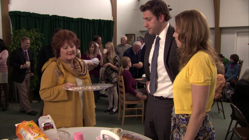 """Wegmans Juices in The Office – Season 7, Episode 7, """"Christening"""" (2010) - TV Show Product Placement"""