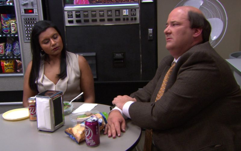 Wegmans Soft Drinks and Herr's Chips Enjoyed by Mindy Kaling (Kelly Kapoor) & Brian Baumgartner (Kevin Malone) (2)
