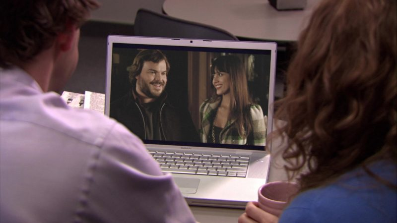 "Apple MacBook Pro Laptop Used by John Krasinski (Jim Halpert),  Jenna Fischer (Pam Beesly) & Ed Helms (Andy Bernard) in The Office – Season 5, Episodes 14-15, ""Stress Relief"" (2009) - TV Show Product Placement"