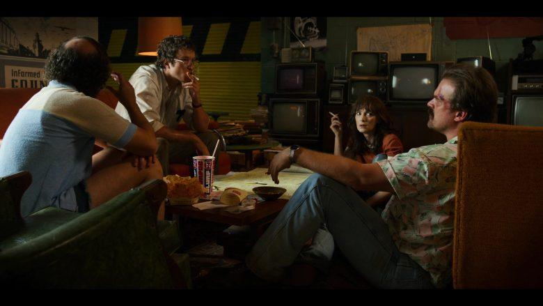 "7-Eleven Slurpee Drink, Burger King, Marlboro Cigarettes in Stranger Things - Season 3, Episode 6, ""E Pluribus Unum"" (2019) - TV Show Product Placement"