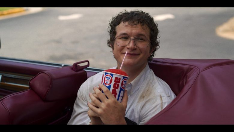 """7-Eleven Slurpee Drink Enjoyed by Alec Utgoff in Stranger Things - Season 3, Episode 5, """"The Flayed"""" (2019) - TV Show Product Placement"""