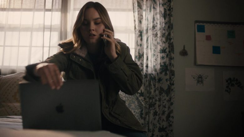 "Apple MacBook Laptop Used by Liana Liberato in Light as a Feather - Season 2, Episode 3, ""... Sly as a Fox"" (2019) TV Show"