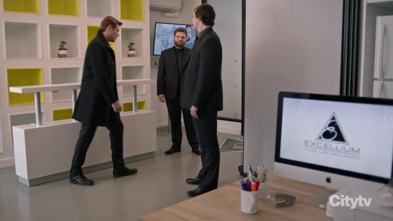 Apple iMac Computer in Hudson & Rex - Season 1, Episode 12, A Cult Education (2019) - TV Show Product Placement