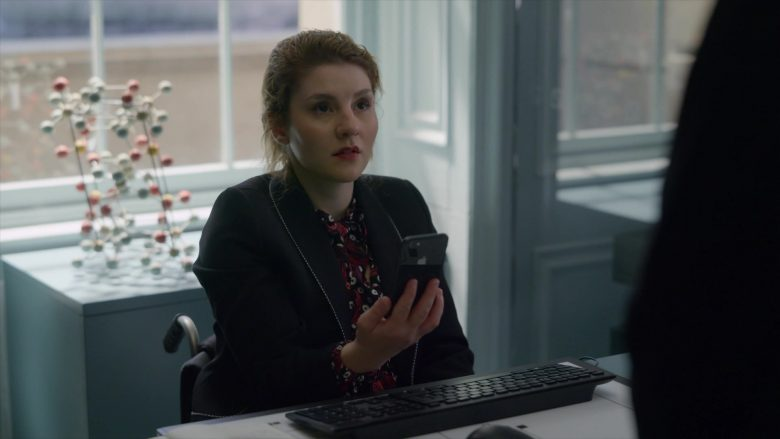 Apple iPhone Smartphone in The Rook - Season 1, Episode 3 (2019) - TV Show Product Placement