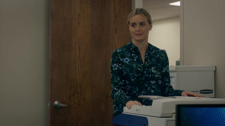 Bankers Box in Orange Is the New Black - Season 7, Episode 4, How to Do Life (2019) - TV Show Product Placement
