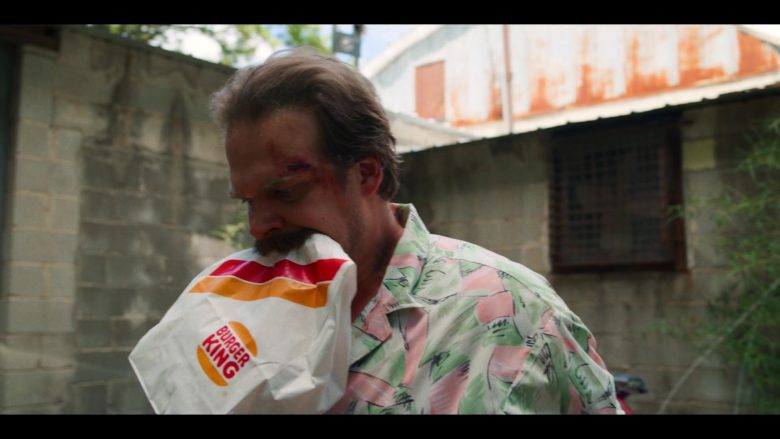 "Burger King Fast Food Paper Bag Held by David Harbour as Jim Hopper in Stranger Things - Season 3, Episode 6, ""E Pluribus Unum"" (2019) - TV Show Product Placement"