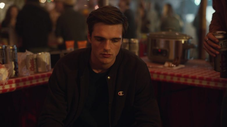 """Champion Shirt Worn by Jacob Elordi in Euphoria - Season 1, Episode 4, """"Shook One Pt. II"""" (2019) - TV Show Product Placement"""