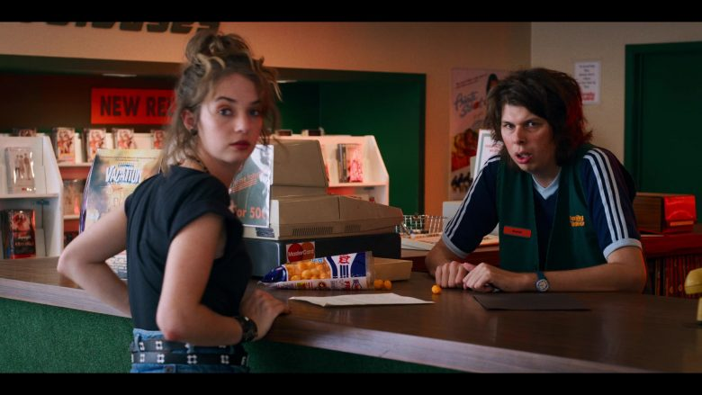 """Cheetos and Family Video in Stranger Things - Season 3, Episode 8, """"The Battle of Starcourt"""" (2019) - TV Show Product Placement"""