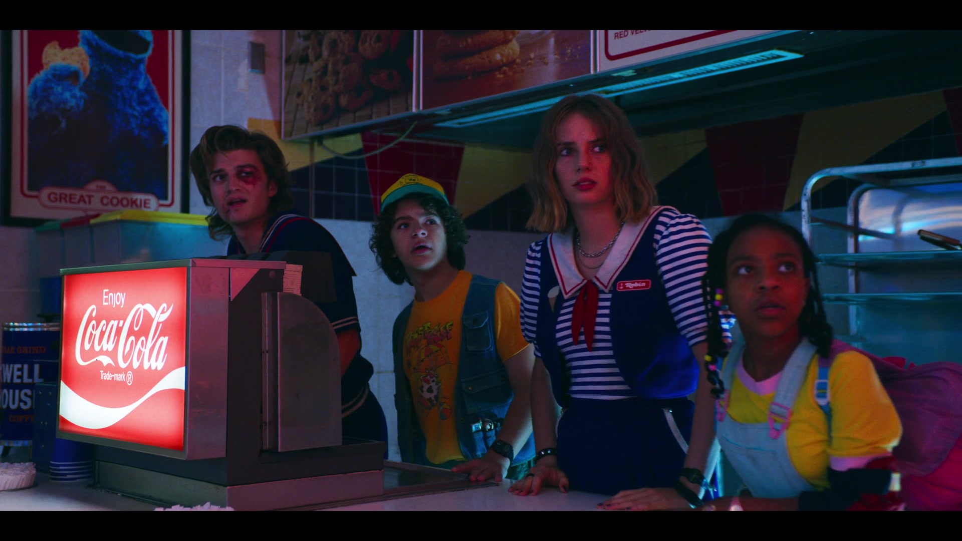 Coca-Cola Drinks in Stranger Things - Season 3, Episode 7,