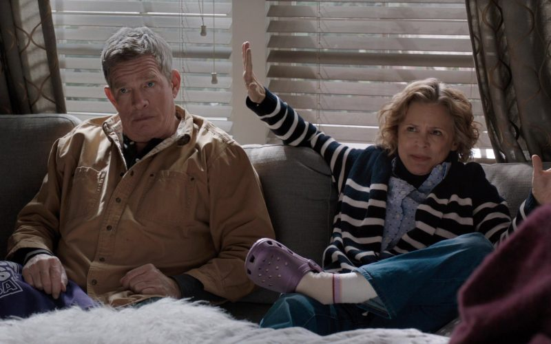 Thomas Haden Church, Amy Sedaris are posing for a picture