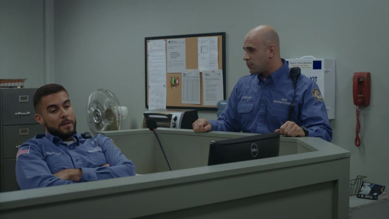 Dell Computer Monitors in Orange Is the New Black - Season 7, Episode 2, Just Desserts (2019) - TV Show Product Placement