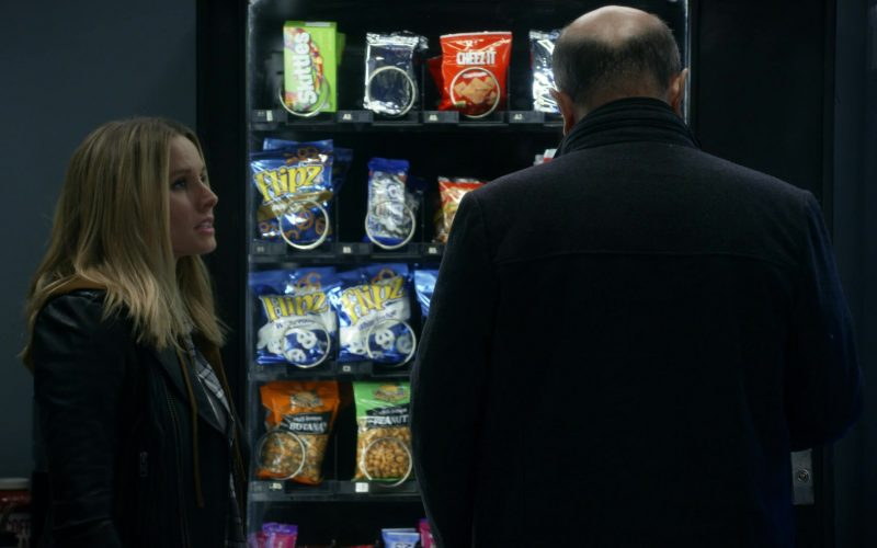 Flipz Pretzels, Skittles Candies and Cheez It Crackers in Veronica Mars (1)