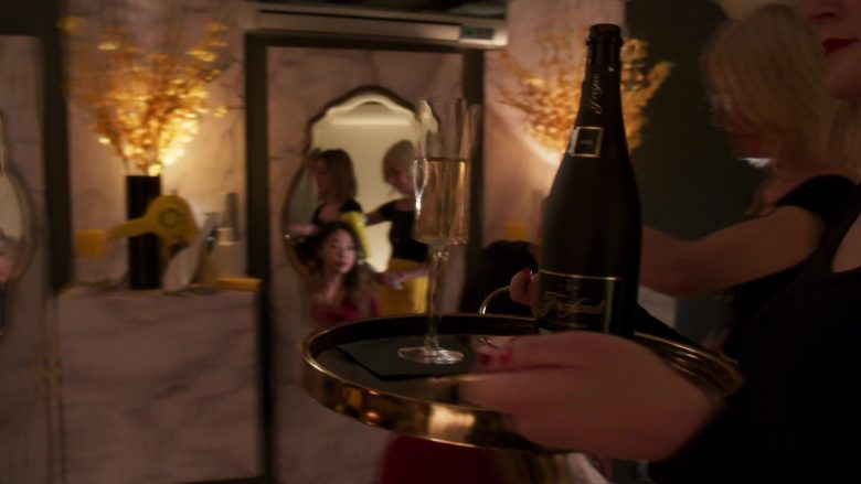 """Freixenet Sparkling Wine in Younger - Season 6, Episode 4, """"An Inside Glob"""" (2019) - TV Show Product Placement"""