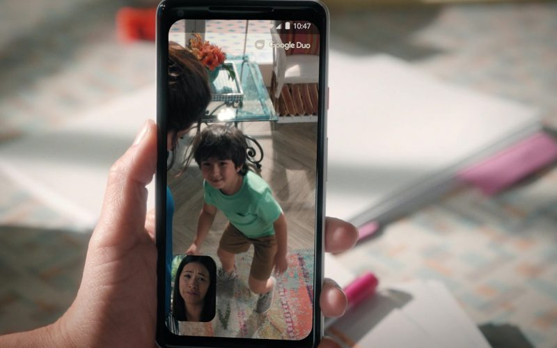 Google Pixel Android Smartphone & Google Duo App Used by Gina Rodriguez in Jane the Virgin (4)