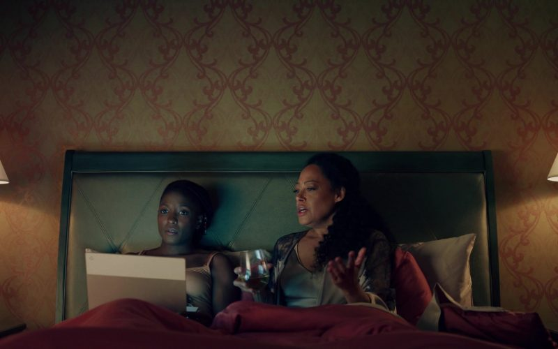 Google Pixelbook Laptop in Queen Sugar (1)