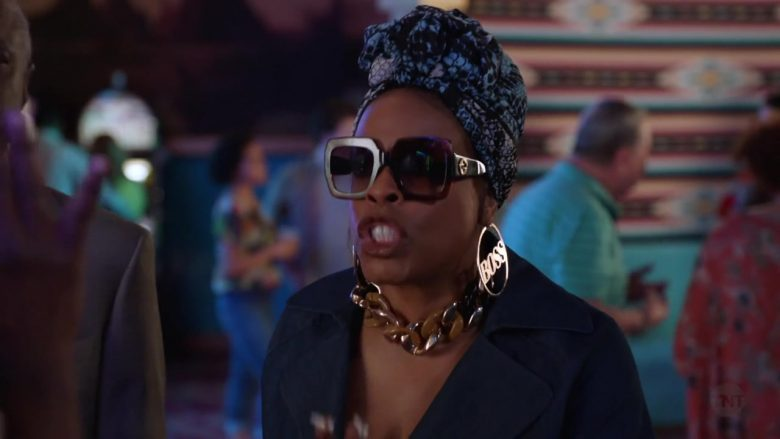 "Gucci Sunglasses Worn by Niecy Nash in Claws - Season 3, Episode 5, ""Zaddy Was a Rolling Stone"" (2019) - TV Show Product Placement"