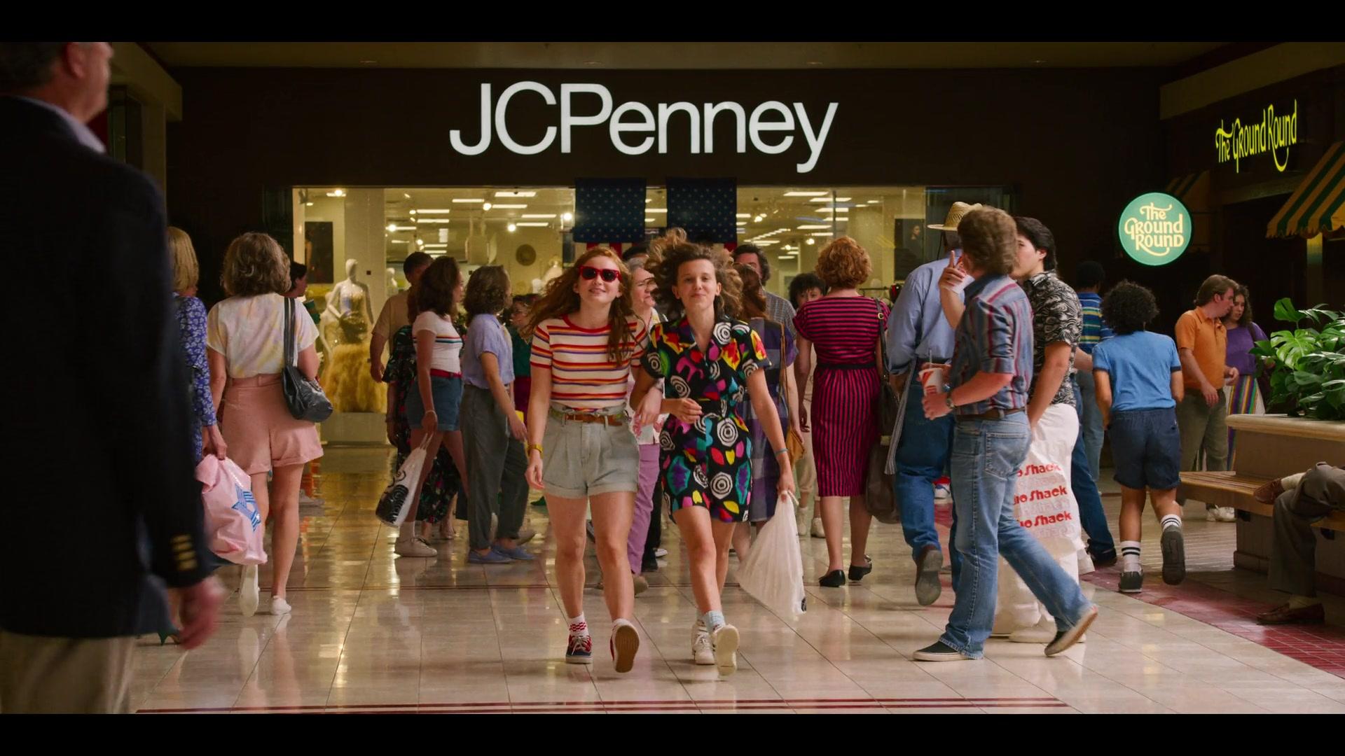 JCPenney Store in Stranger Things - Season 3, Episode 2,