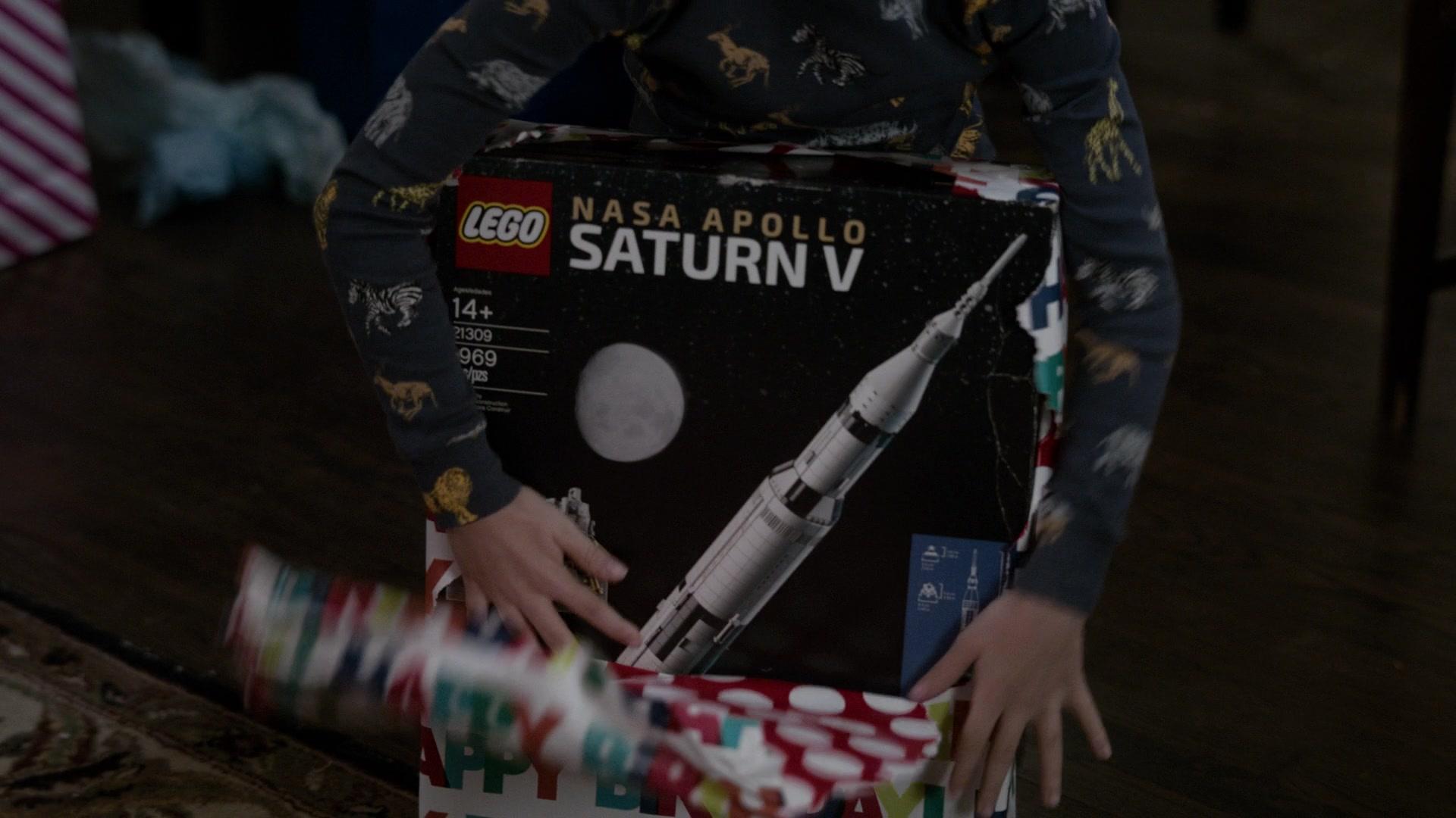 Lego NASA Apollo Saturn V in The Code - Season 1, Episode 11