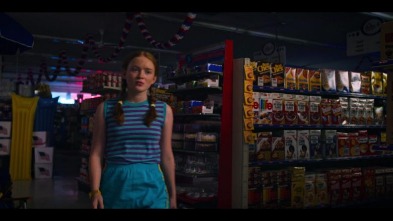 """Life and Kellogg's Cereals in Stranger Things - Season 3, Episode 7, """"The Bite"""" (2019) - TV Show Product Placement"""