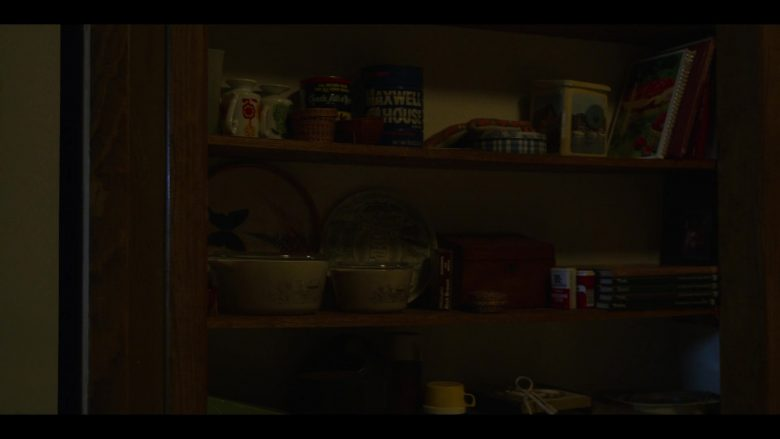 "Maxwell House Coffee in Stranger Things - Season 3, Episode 1, ""Suzie, Do You Copy?"" (2019) - TV Show Product Placement"