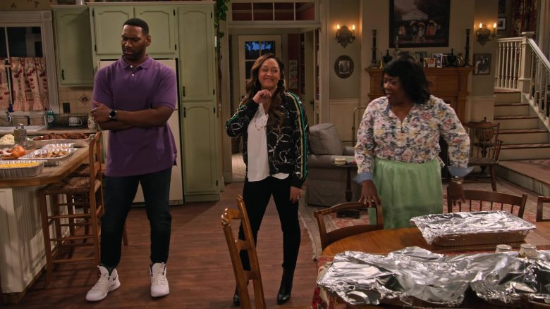 "Nike White Sneakers Worn by Anthony Alabi in Family Reunion - Season 1 Episode 1, ""Remember How This All Started?"" (2019) - TV Show Product Placement"