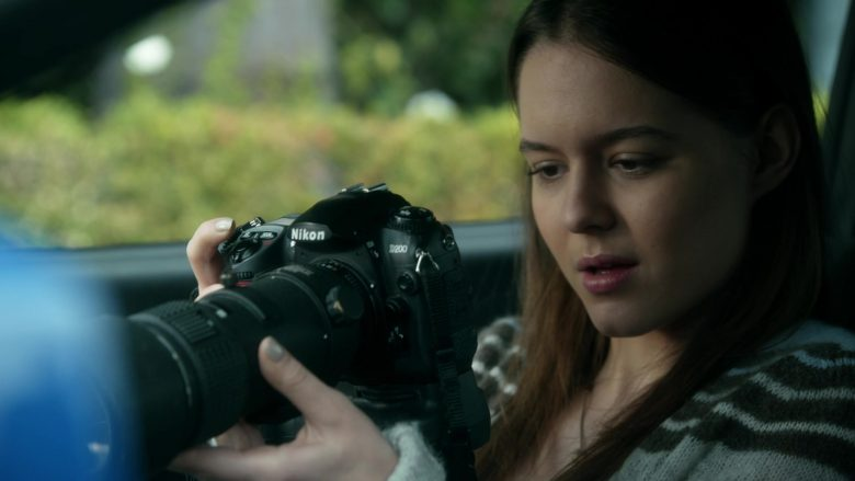 Nikon Camera in Veronica Mars - Season 4, Episode 3, Keep Calm and Party On (2019) - TV Show Product Placement