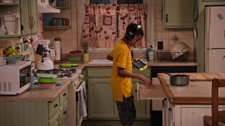 """Nintendo Switch Video Game Console in Family Reunion - Season 1 Episode 5, """"Remember Grace Under Fire?"""" (2019) - TV Show Product Placement"""