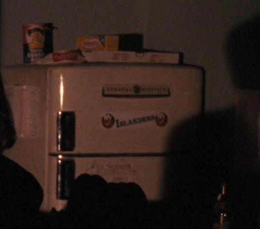 Quaker Oats and General Electric Refrigerator in The Godfather: Part 3 (1990) - Movie Product Placement