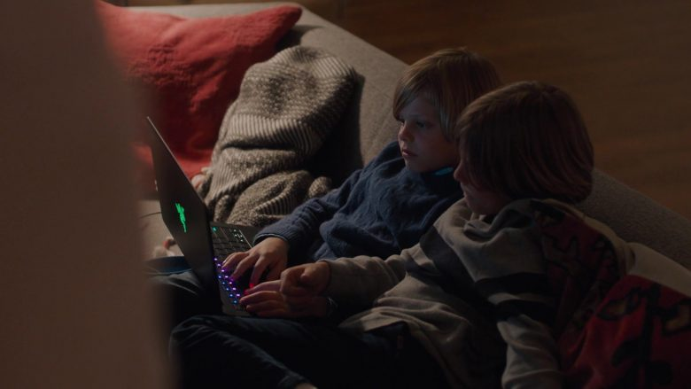 """Razer Blade Notebook in Big Little Lies - Season 2, Episode 7, """"I Want to Know"""" (2019) - TV Show Product Placement"""